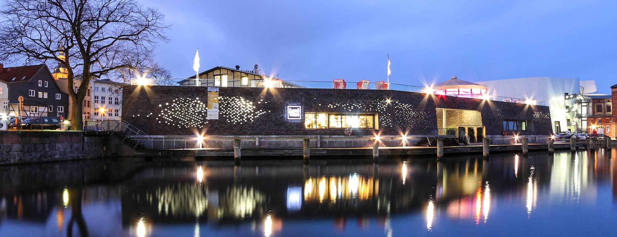 Kronlastadie Stralsund bei Nacht