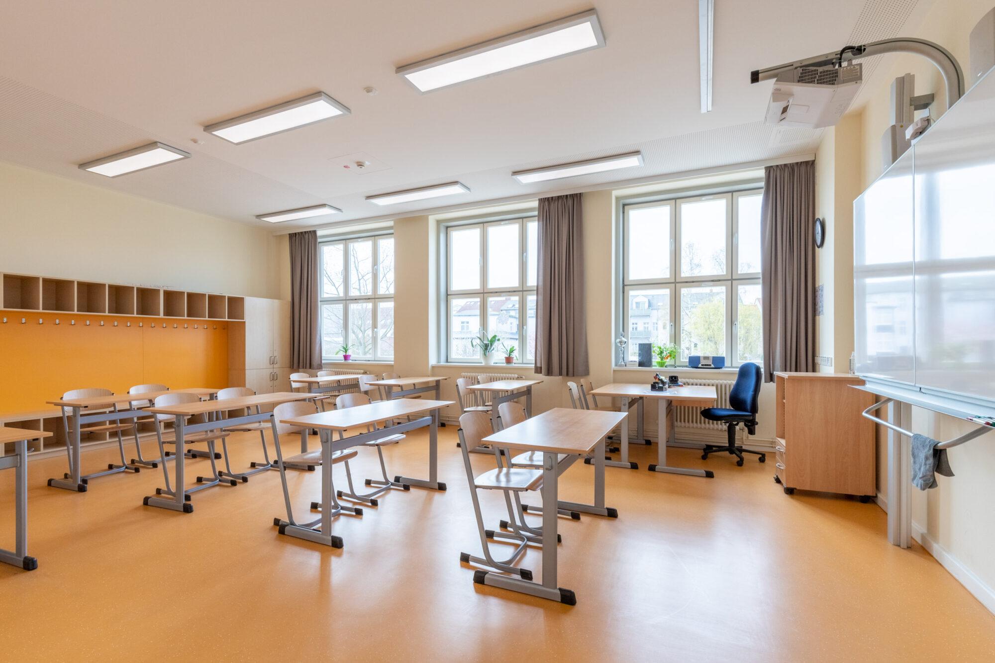 EMA Schule - Renovierter Klassenraum