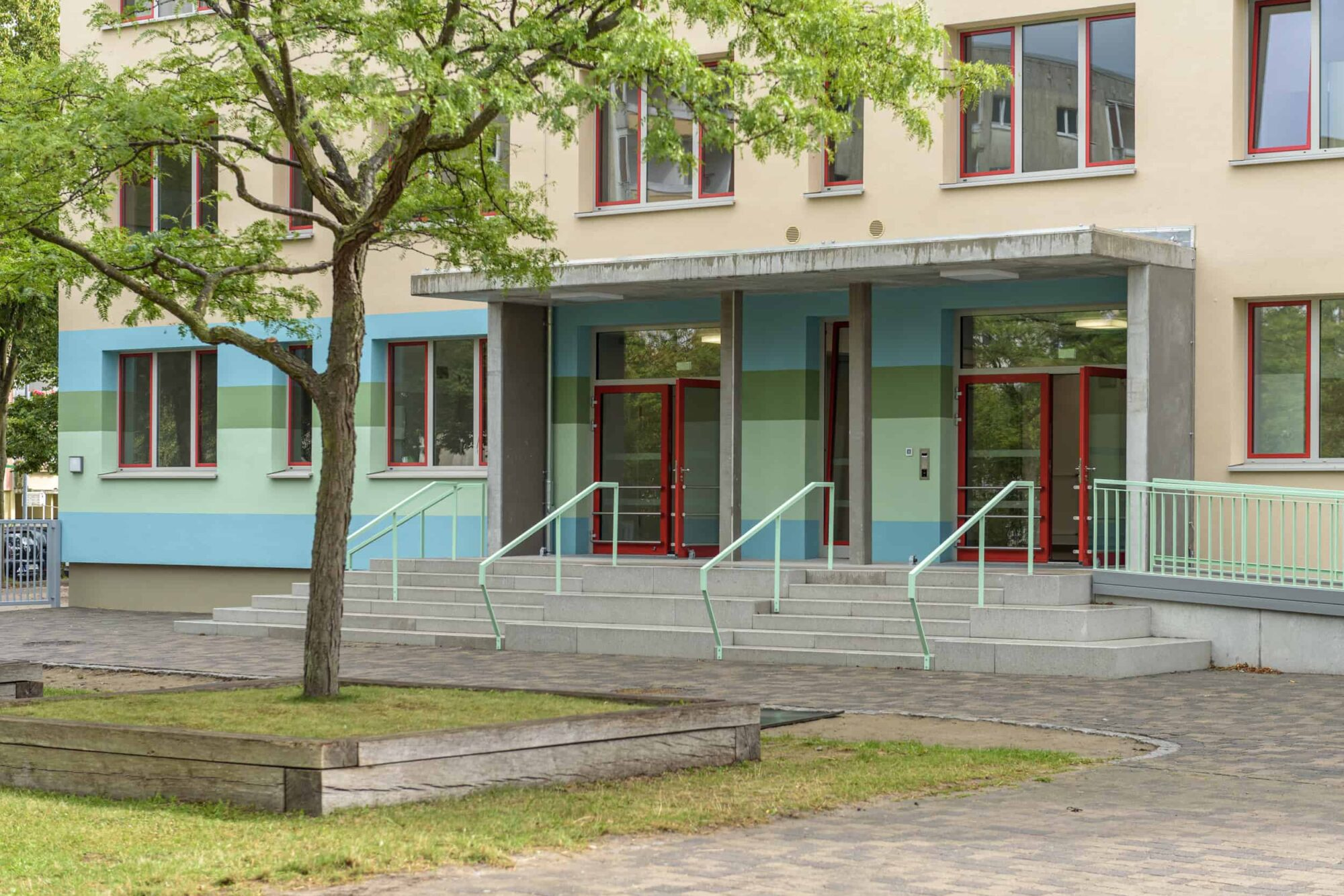 Ferdinand von Schill Grundschule Stralsund - Detail Eingang